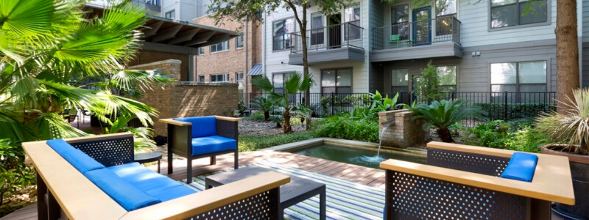 The Davis SoCo Outdoor Deck