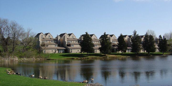 lakeside-village-kansas-city-mo-building-photo